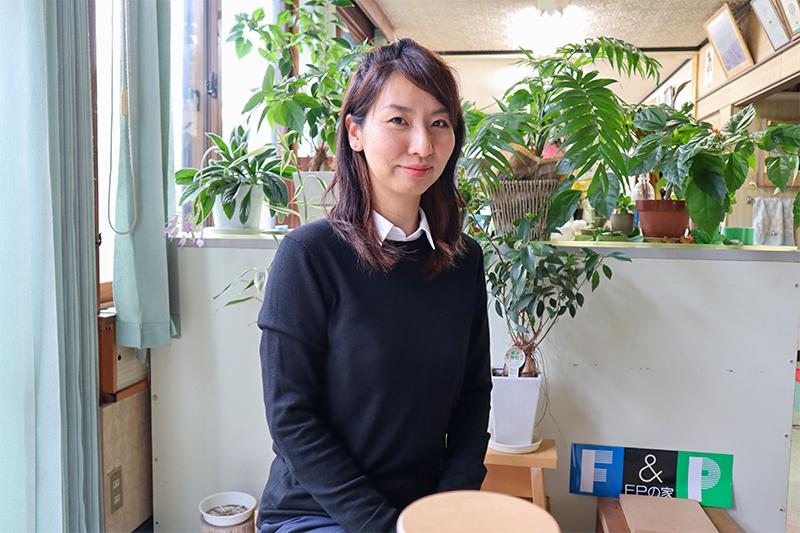staff03_rika